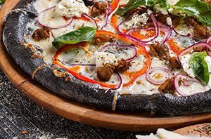 Тісто для піци чорне