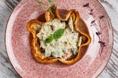 Соус з телятиною і шпинатом